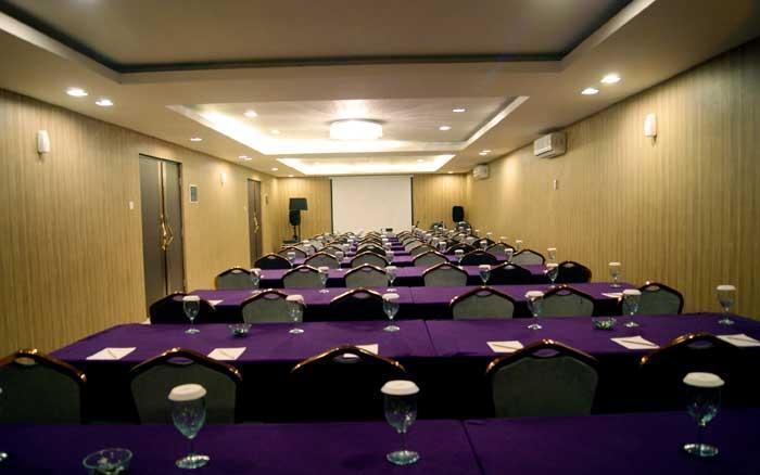 Amaroossa Suite Bali - Ruang Rapat