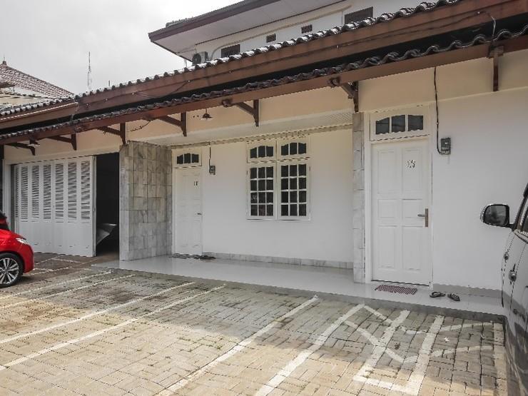 Debenoit Guesthouse Jakarta - Exterior