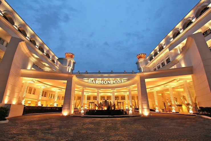 Harmoni One Convention Hotel Batam - Front of Property