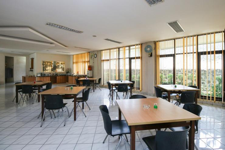 Airy Eco Syariah Cisarua Lembah Nyiur 68 Bogor Bogor - Restaurant