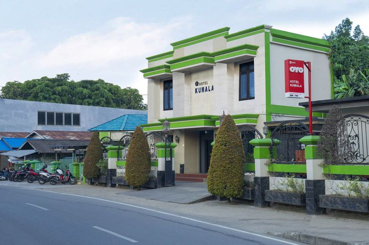OYO 1005 Hotel Kumala Samarinda - Facade