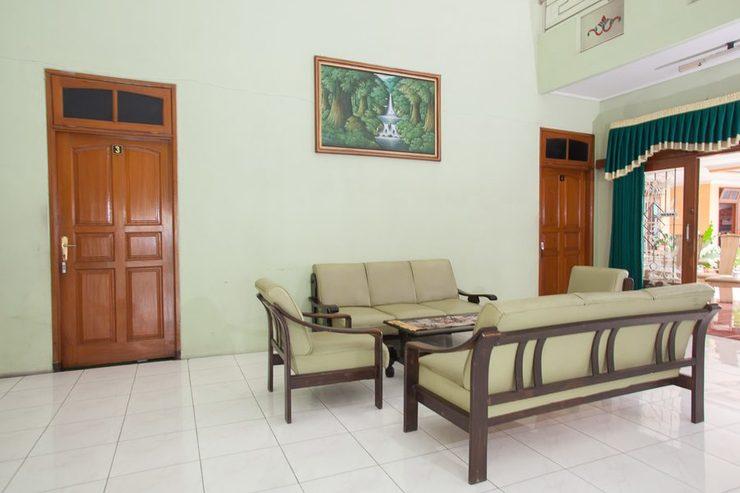 RedDoorz Syariah @ Janti Malang Malang - Eksterior