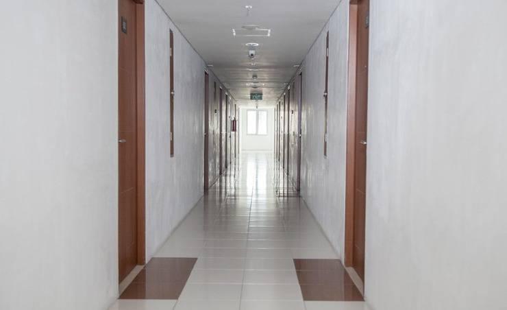 RedDoorz Apartment near Exit Toll Kota Satelit Surabaya - Eksterior