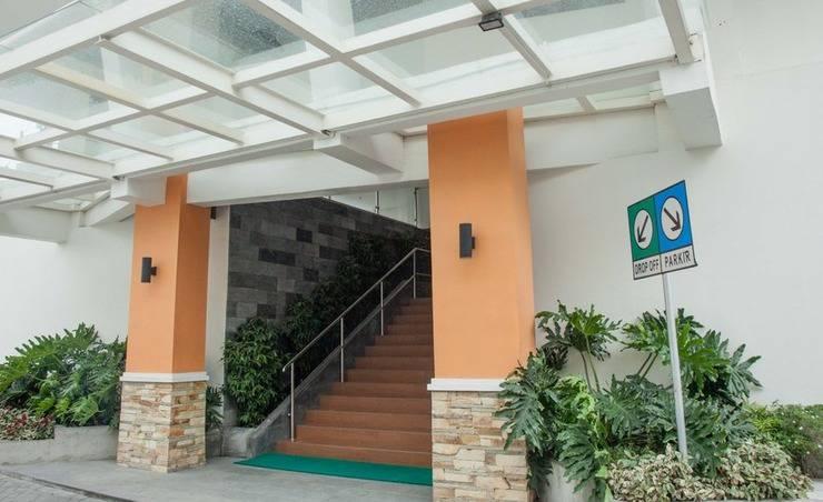 RedDoorz Apartment near Exit Toll Kota Satelit Surabaya - Kamar tamu