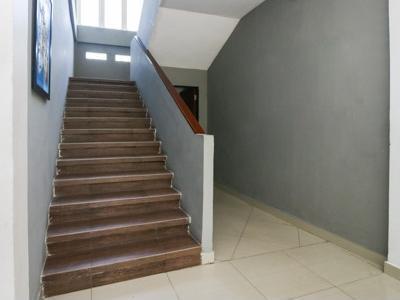 Airy Gadingrejo Ahmad Yani 55 Pasuruan - Stairs