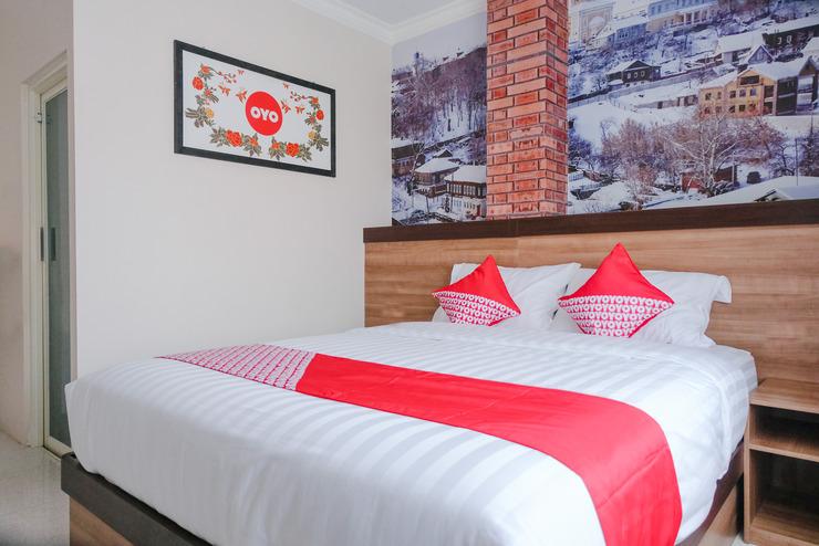 OYO 809 Noura Guest House Syariah Malang - Bedroom DD