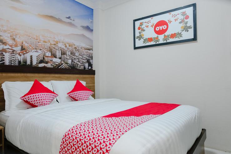 OYO 809 Noura Guest House Syariah Malang - Bedroom SD