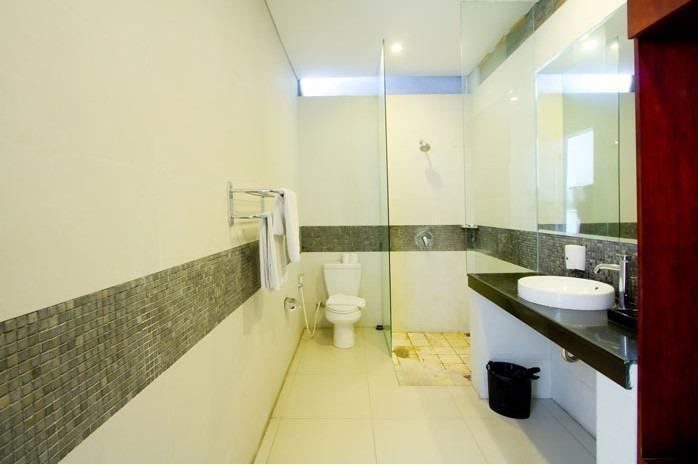 Apple Villa Bali - Bathroom