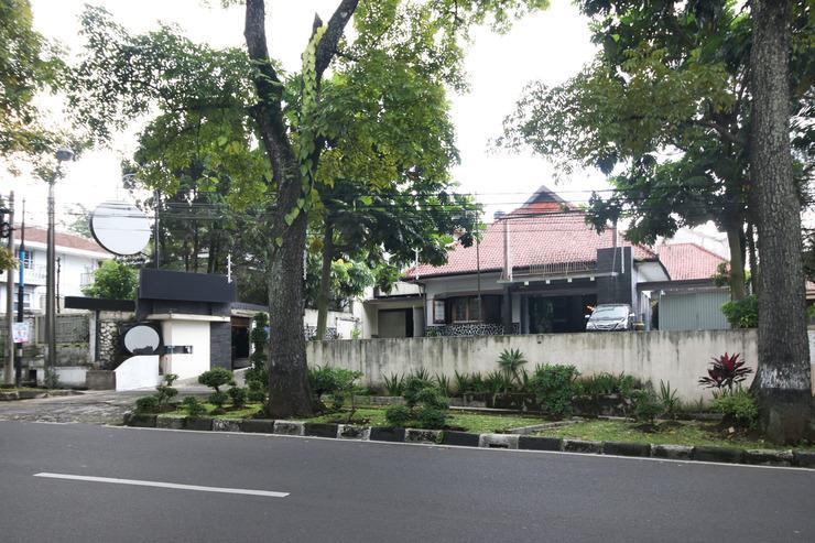 Airy Cihampelas Cipaganti 14 Bandung - Hotel Building