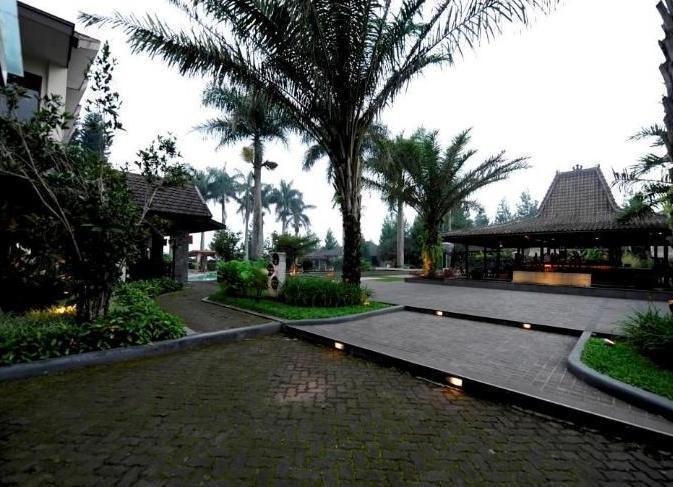 Puteri Gunung Hotel Lembang - Cafe and Lounge
