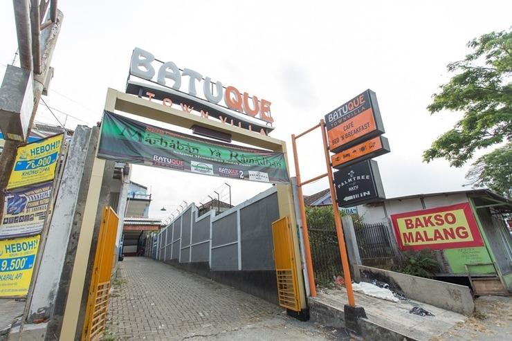 Batuque Town Villa Malang - pintu masuk