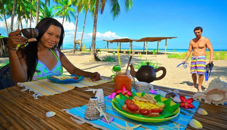 Coconut Garden Beach Resort Maumere - Makan pagi