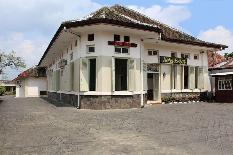 HOTEL BESAR Banyumas - Front of Property