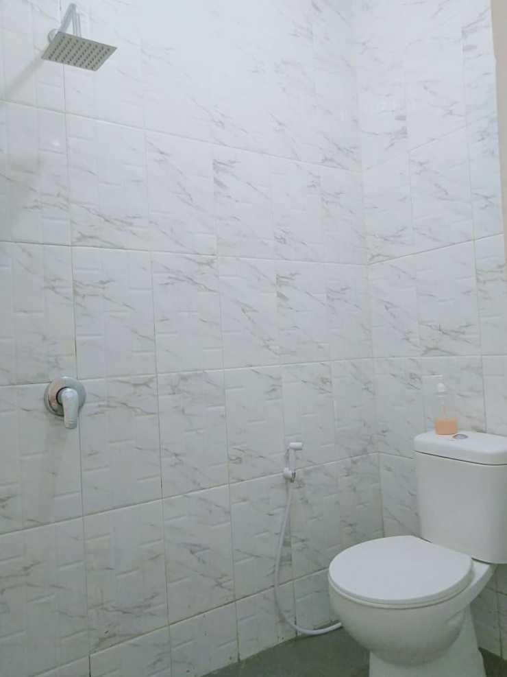 Jasmeen Syariah Malang - Bathroom