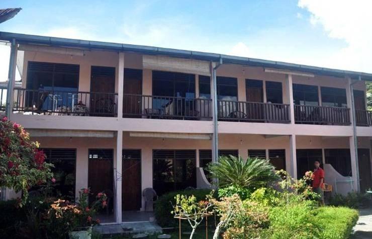 Review Hotel Bernard Hotel (Samosir)