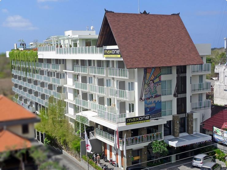 MaxOne Hotels Bukit Jimbaran - Front of Property