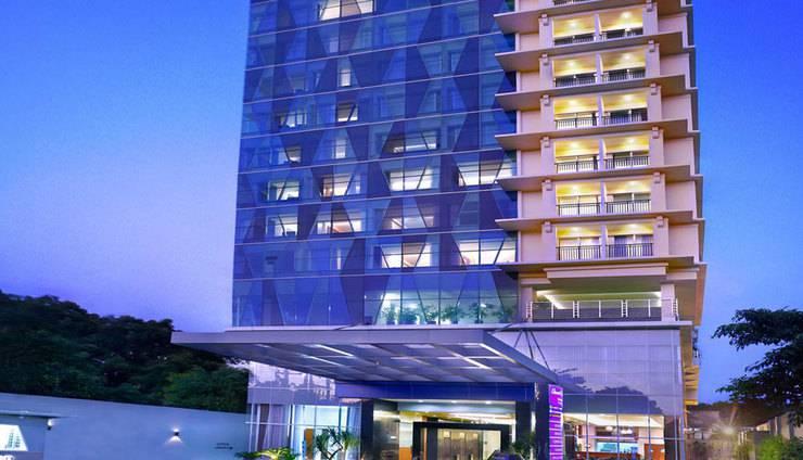 Quest Hotel Darmo Surabaya - Eksterior