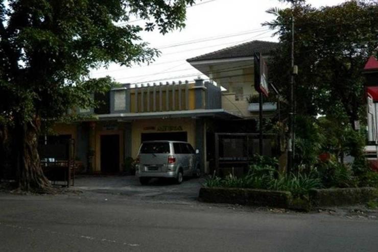 Hotel Atina Solo - Tampilan Luar Hotel