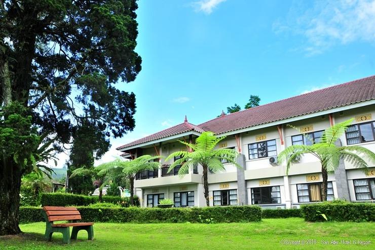 Sari Ater Hotel Subang - Facade