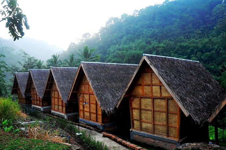 ArusLiar Bukit Bambu Cottages Sukabumi - Facade