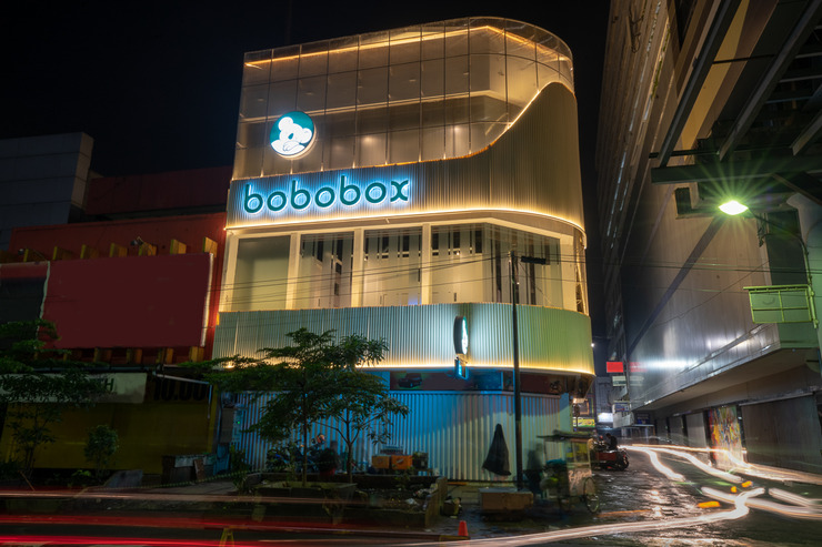 Bobobox Pods Alun Alun Bandung - Facade