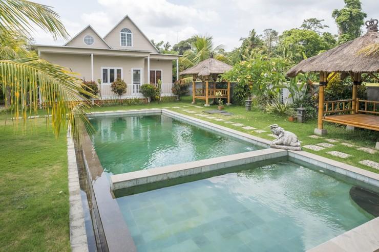 RedDoorz Resort near Bukit Campuhan Ubud Bali - Photo