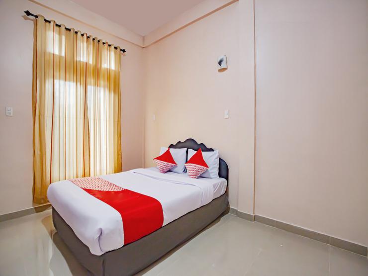 OYO 2799 Berastagi Backpacker Rooms Karo - Standard Double Bedroom