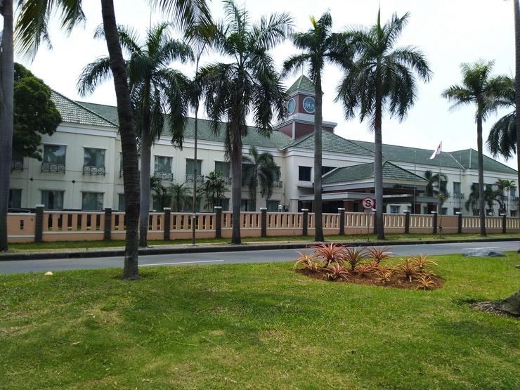 Grand Cikarang Hotel Bekasi - Exterior Gedung