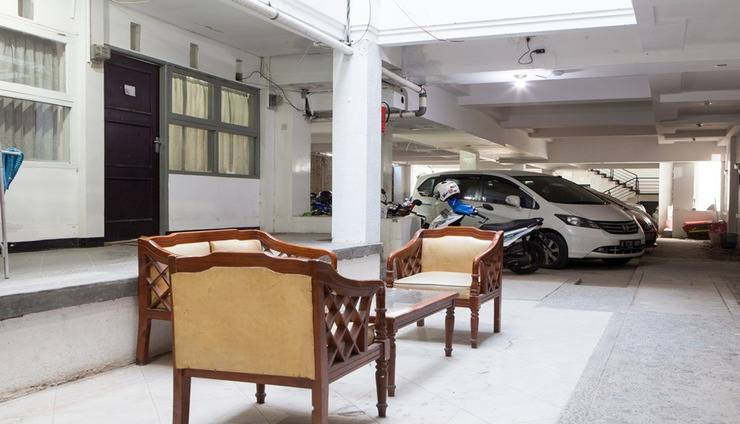 The Guesthouse Cipedes Bandung - Parking