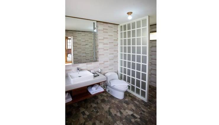 The Onsen Hot Spring Resort Malang - Bathroom