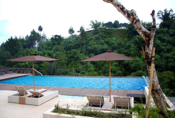 The Green Forest Resort Bandung - Swimming Pool