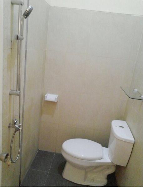 Bakom Inn Bogor - Bathroom