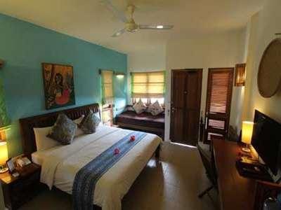 Cocotinos Manado - Water's Edge Room