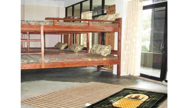 Canopy Center Hostel Syariah Pontianak - room