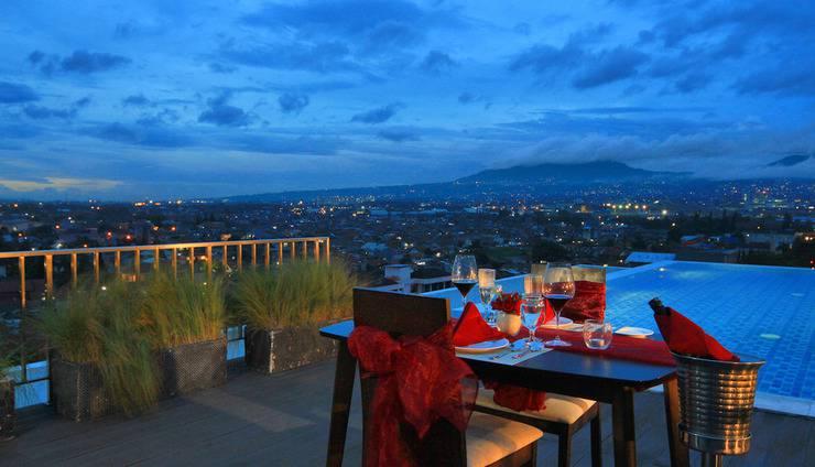 West Point Hotel Bandung - Makan Malam Romantis