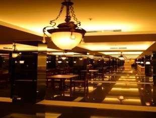 Emilia Hotel by Amazing Palembang - Pintu masuk