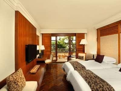 Nusa Dua Beach Hotel Bali - Kamar tamu