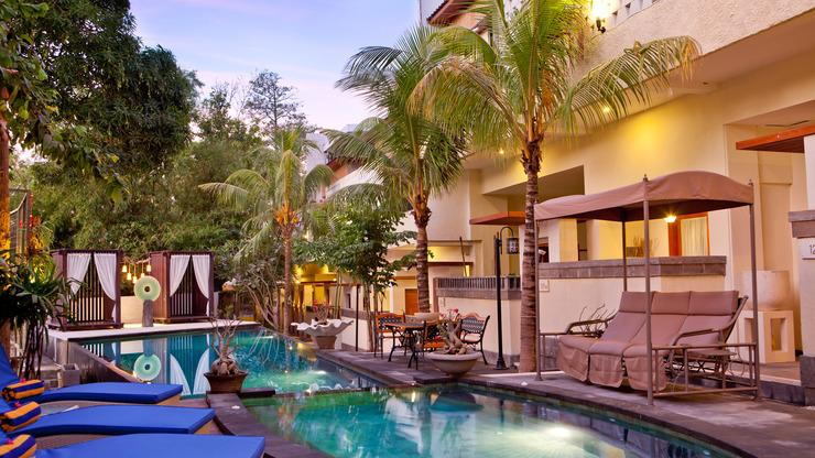 Marbella Pool Suites Seminyak - Swimming pool