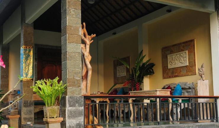 D' Meranggi Guest House Bali - Facade