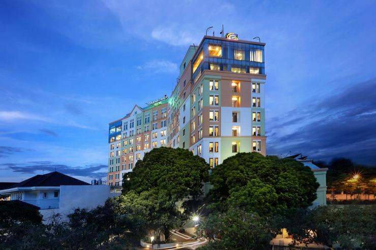 Grand Candi Hotel Semarang - Facade