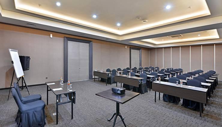 Whiz Prime Hotel Malioboro Yogyakarta - Meeting Room