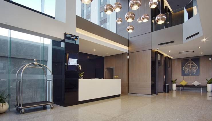 Whiz Prime Hotel Malioboro Yogyakarta - Lobby & Reception