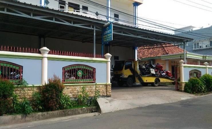 Losmen Ibu Hj. Tarjo Syariah Palembang - Parkir