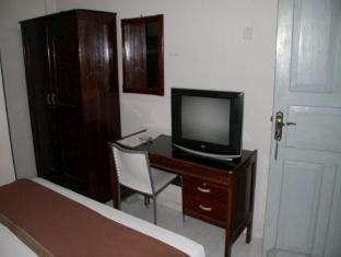 Hotel Fortuna Pare Pare - Fasilitas kamar