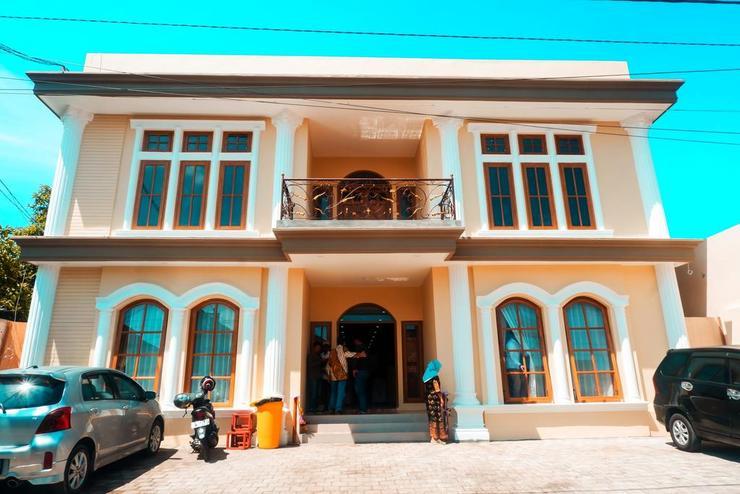 Bluefire Homestay Syariah Banyuwangi - Appearance