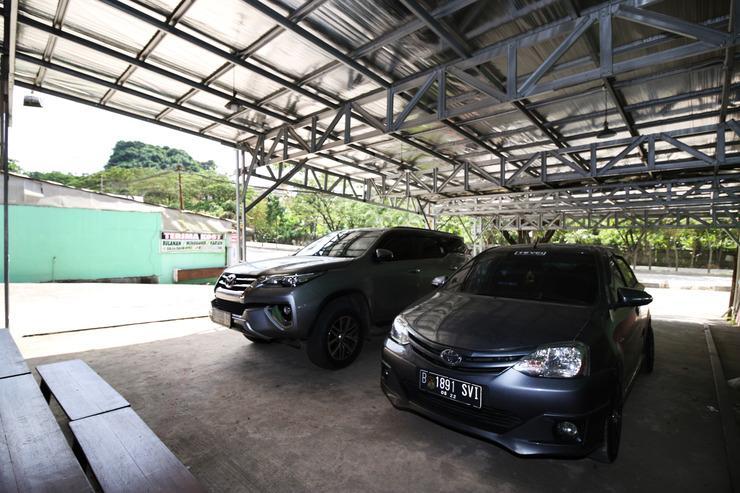 Airy Eco Syariah Pangeran Suryanata 157 Samarinda Samarinda - Parking