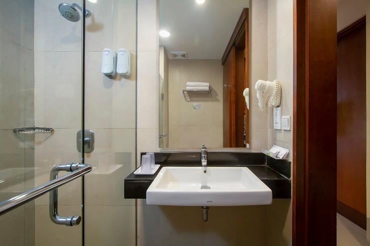 Prime Biz Kuta - Bathroom - Superior
