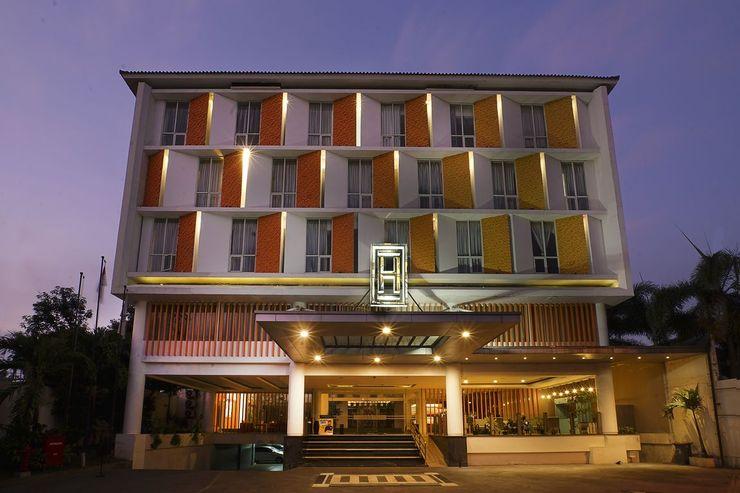 Hotel Horaios Malioboro Jogja - Exterior