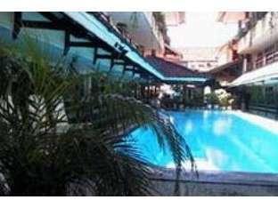 Hotel Karthi Bali - Kolam Renang