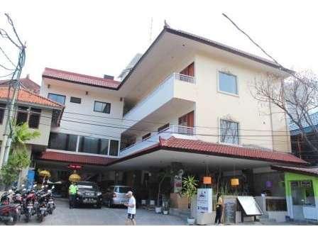 Hotel Karthi Bali - Super Deluxe Pemandangan pejalan kaki